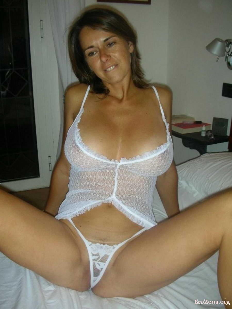 Женщины В Нижнем Белье Домашнее Порно