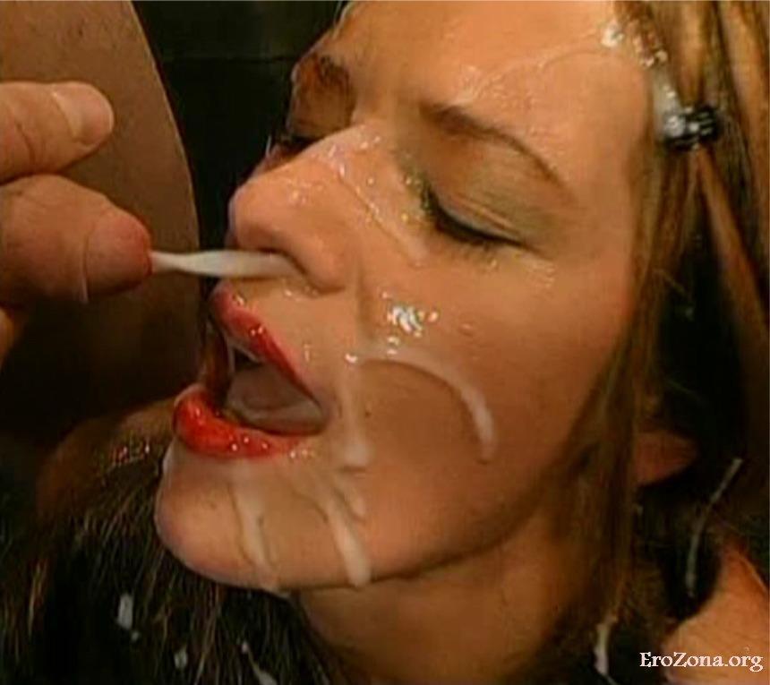 сперма в рот и лицо