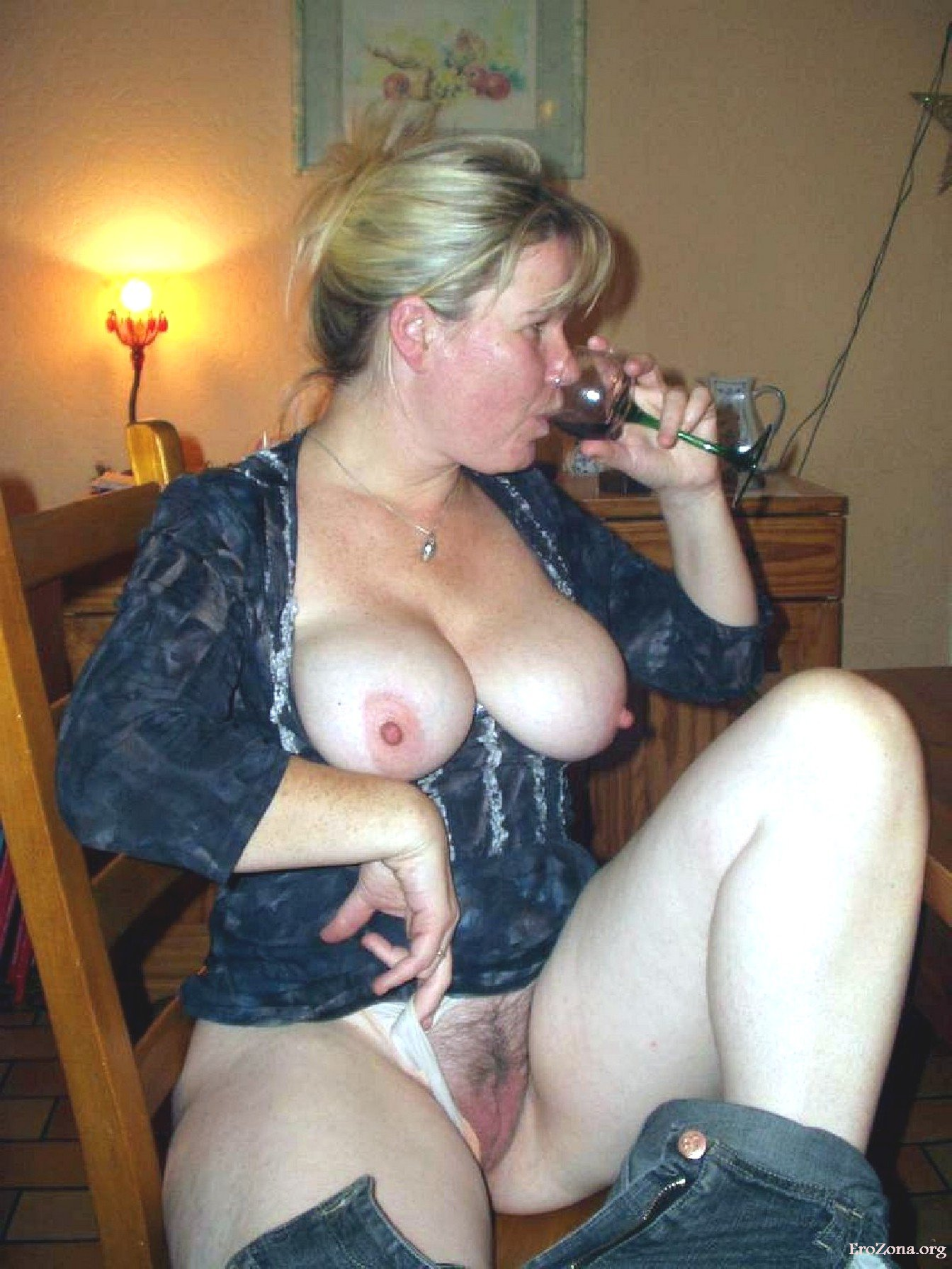 Смотреть Порно   Домашнее Фото Голых Зрелых Русских Женщин