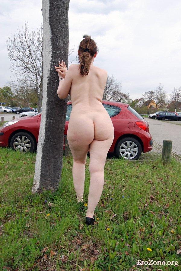 Kloe Kane Hot Outside At Park Big Ass Woman Curvy Erotic 1