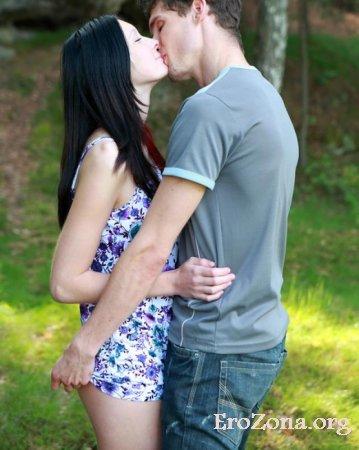 Порно фото русской молодой пары на природе