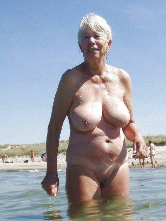 бабы на диком пляже