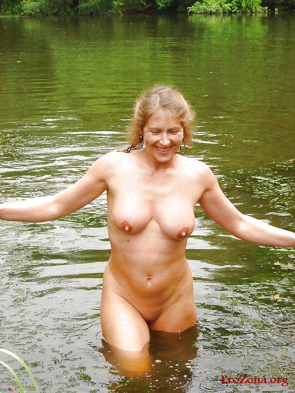 Секс Зрелых Женщин На Природе Частное