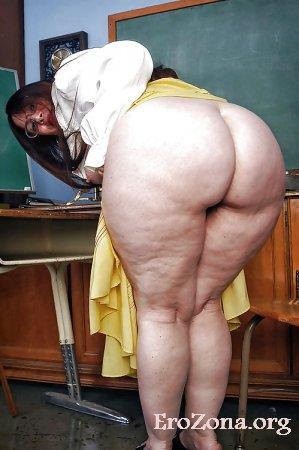 голые жирные бабы демонстрируют свои огромные жопы