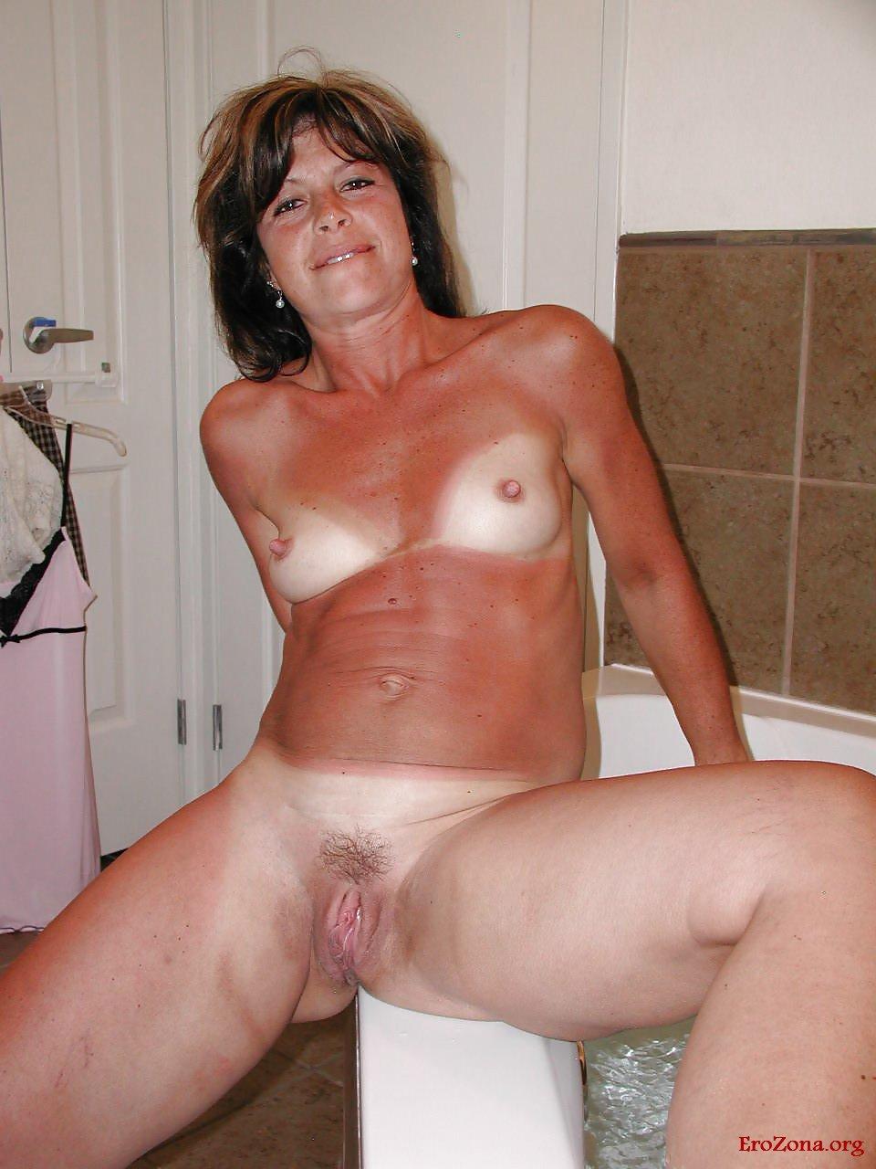 Naked Mature Amature Women