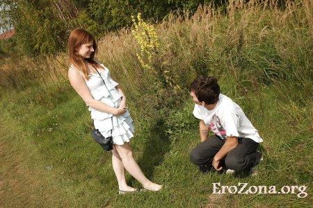 Ебля молодой пары на природе фото