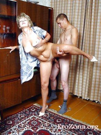 Парень выебал пышногрудую с большой задницей мамашу фото