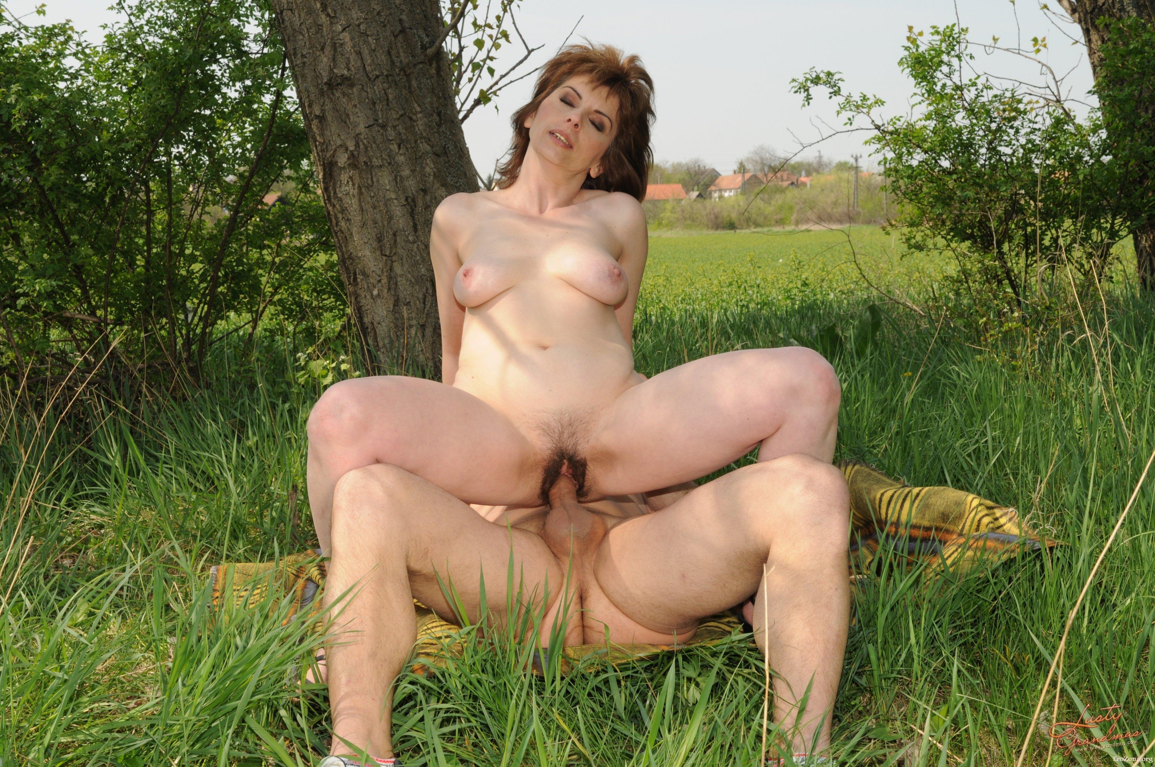 Зрелые Порно Hd На Природе