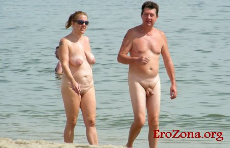 нудисты на пляже семейные фото