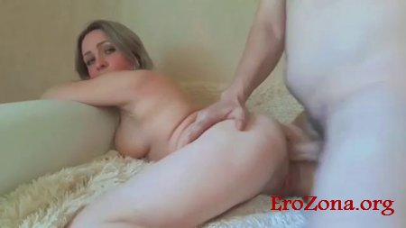 Русская супружеская пара сняли на видео свой страстный анальный секс с окончанием жене на лицо