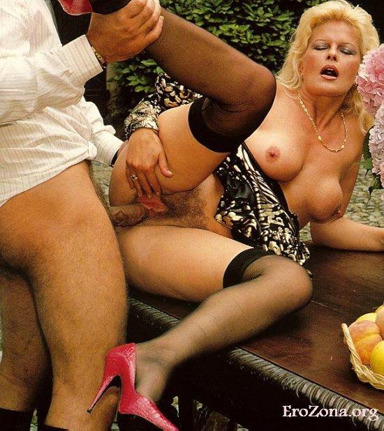 Nutte Junger Outdoor Orgasmus