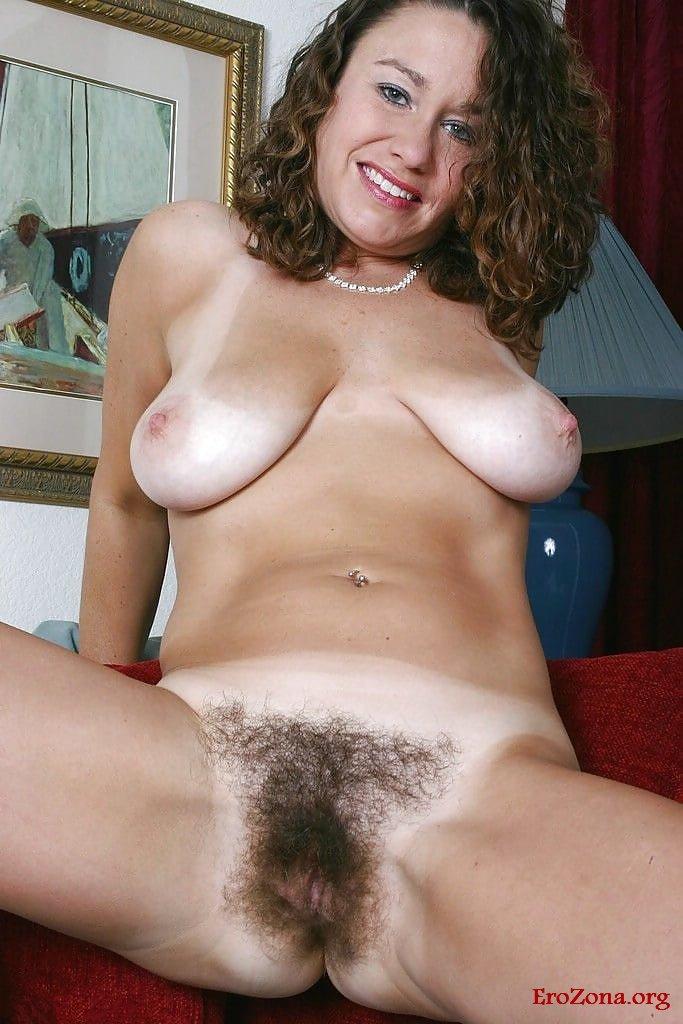 Волосатая пизда обнаженных телочек фото