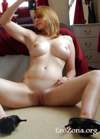 голые зрелые женщины с раздвинутыми ножками фото
