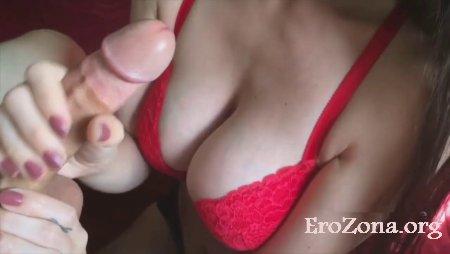 Муж два раза кончил жене на грудь пока она умело дрочила ему хуй порно видео