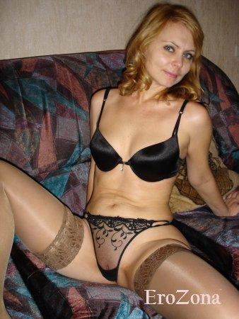 Виктория в черном сексуальном белье