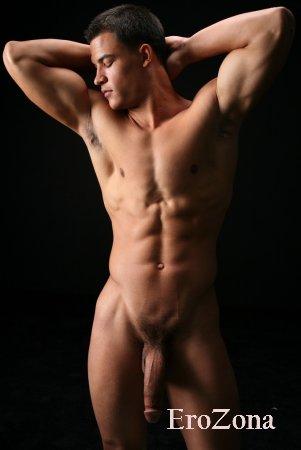 Фото эротика большие писюны красивых парней