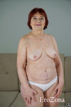 Голая бабушка Маша на частных фото