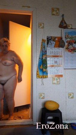 Сделал для вас несколько фото моей голой жены