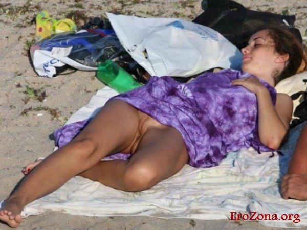 засветы писек на пляже фото